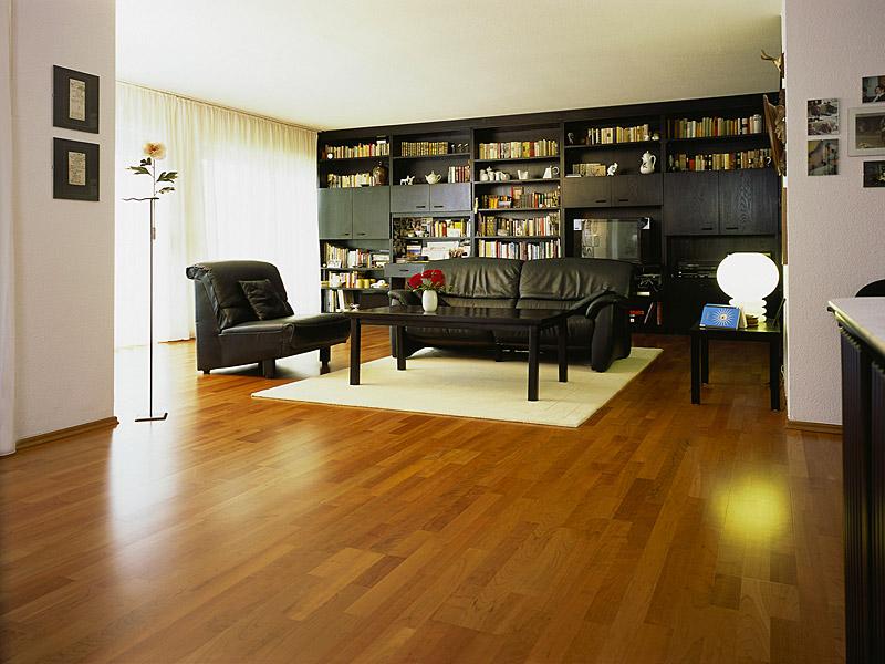 http://galaparkett.de/wp-content/uploads/2009/12/Morgner4-Kirschbaum-Premium-3-Stab.jpg